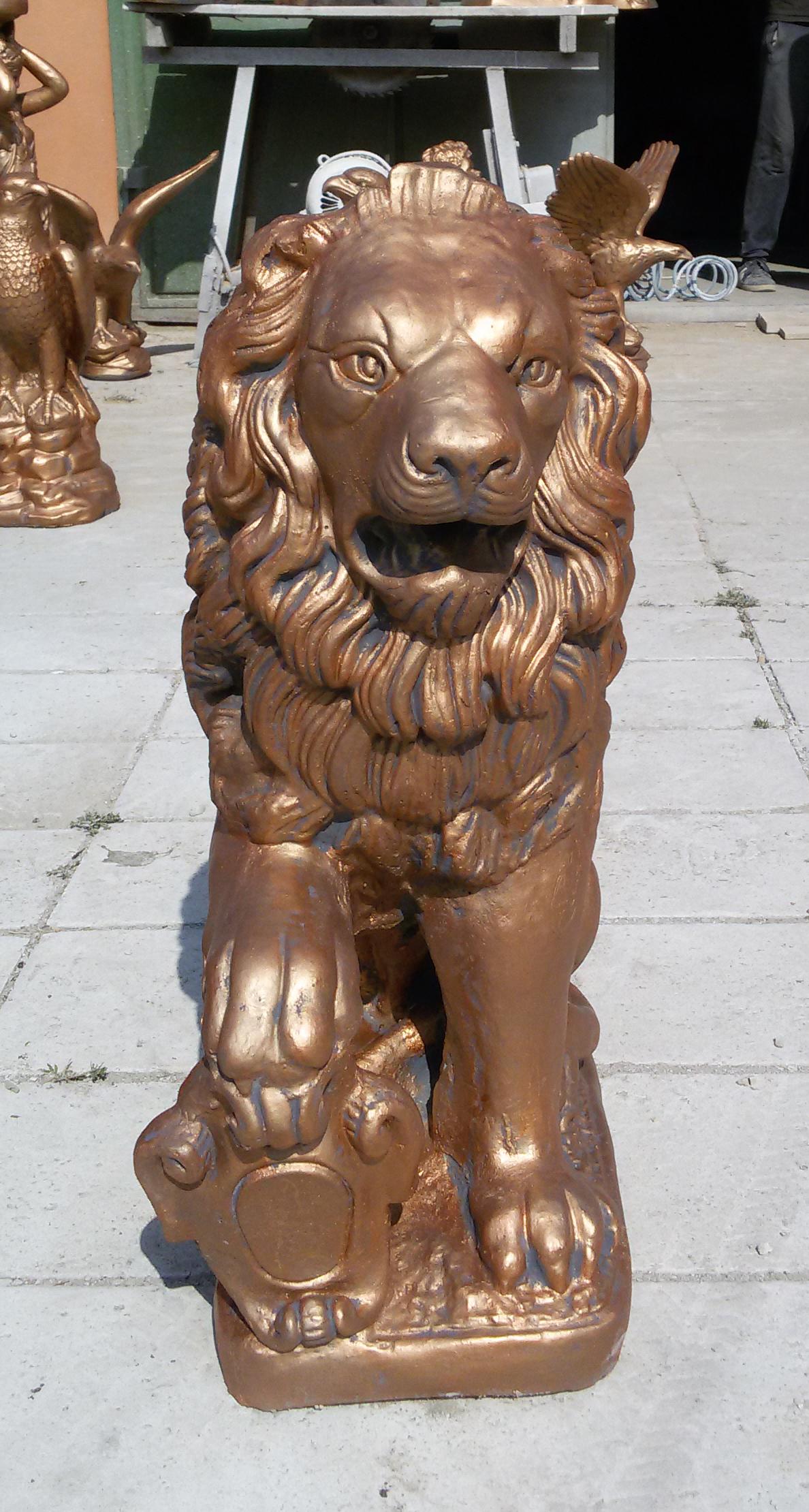 Скульптура под бронзу