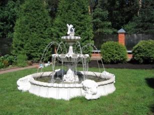 Зачем покупать садовый фонтан для себя?