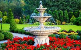 Садовый фонтан из бетона. Преимущества и недостатки